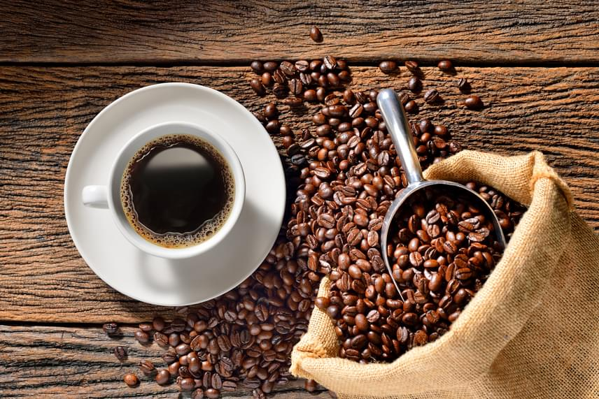 Hogyan segít a koffein a fogyásban?)