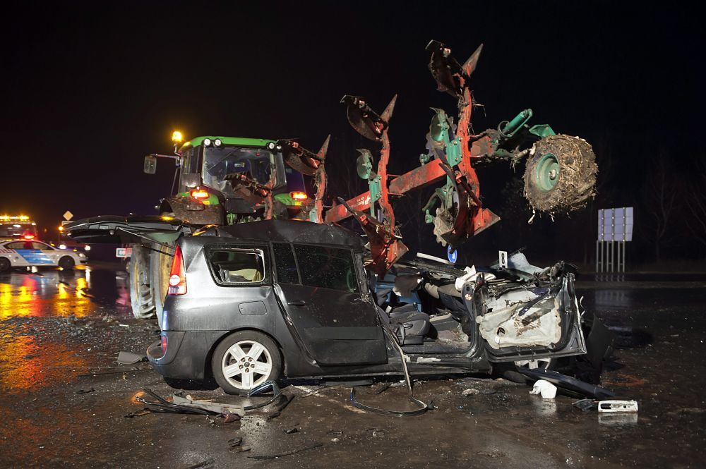 Halálos baleset történt az esen Izsáknál | BAON