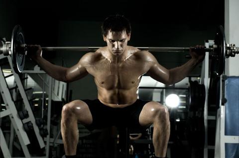Egyre gyakoribb jelenség a férfimell! Edzés vagy plasztikai sebész? Te választasz! | Peak Man
