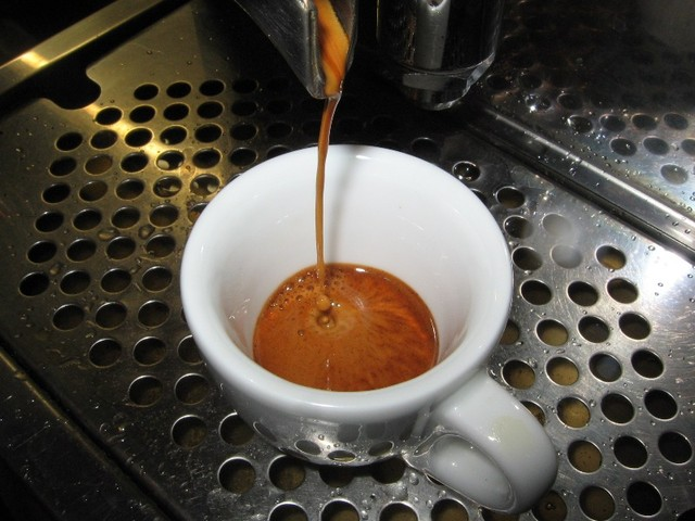 képes a nescafe kávé zsírt égetni)
