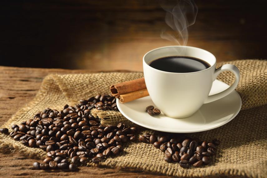 A fekete kávé hasznos a fogyáshoz
