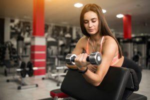 súlyok segítenek a zsírégetésben