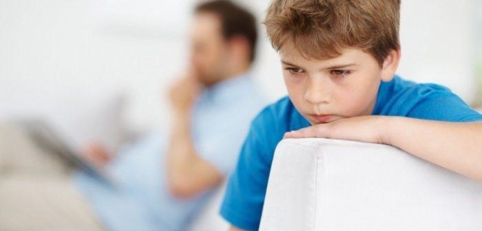 mikor veszít egy apa szülői jogait?)
