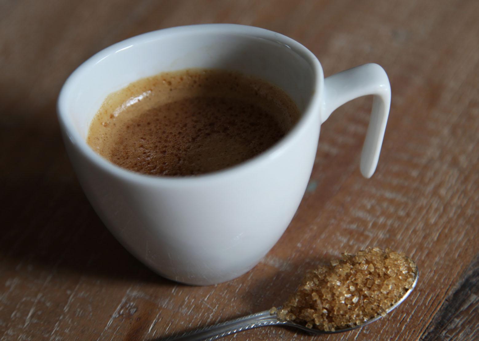 inni fekete kávét fogyni