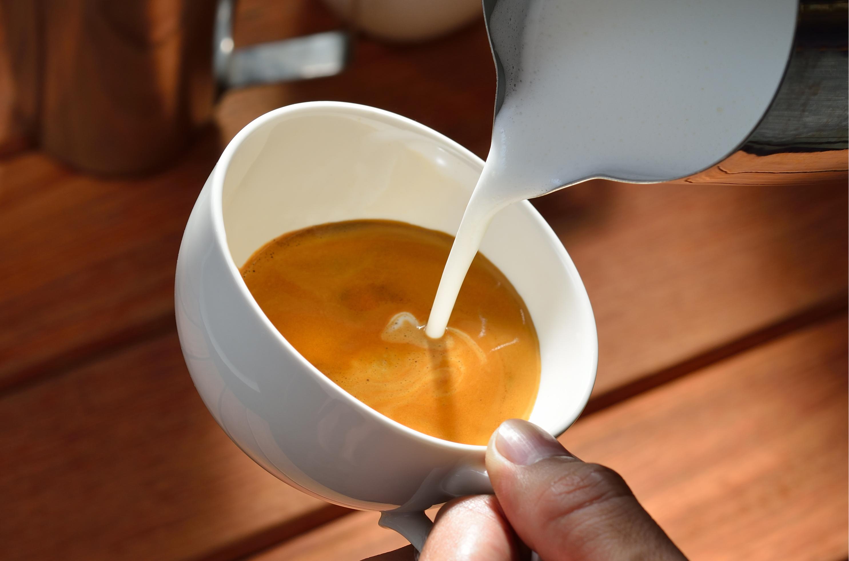 a fekete kávé miatt fogyni fogok)
