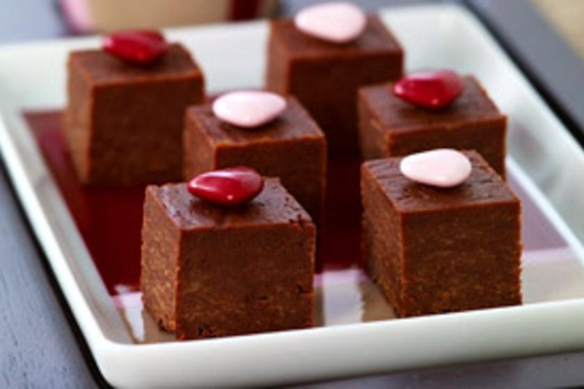 ceklascsokiskuglofkicsi ottónak   Egészséges édességek, Kuglóf, Édességek